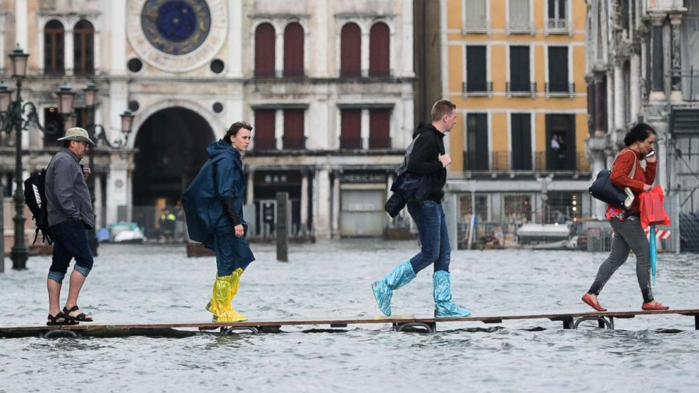 Can You Kayak The Canals Of Venice, Italy, During High Tide?